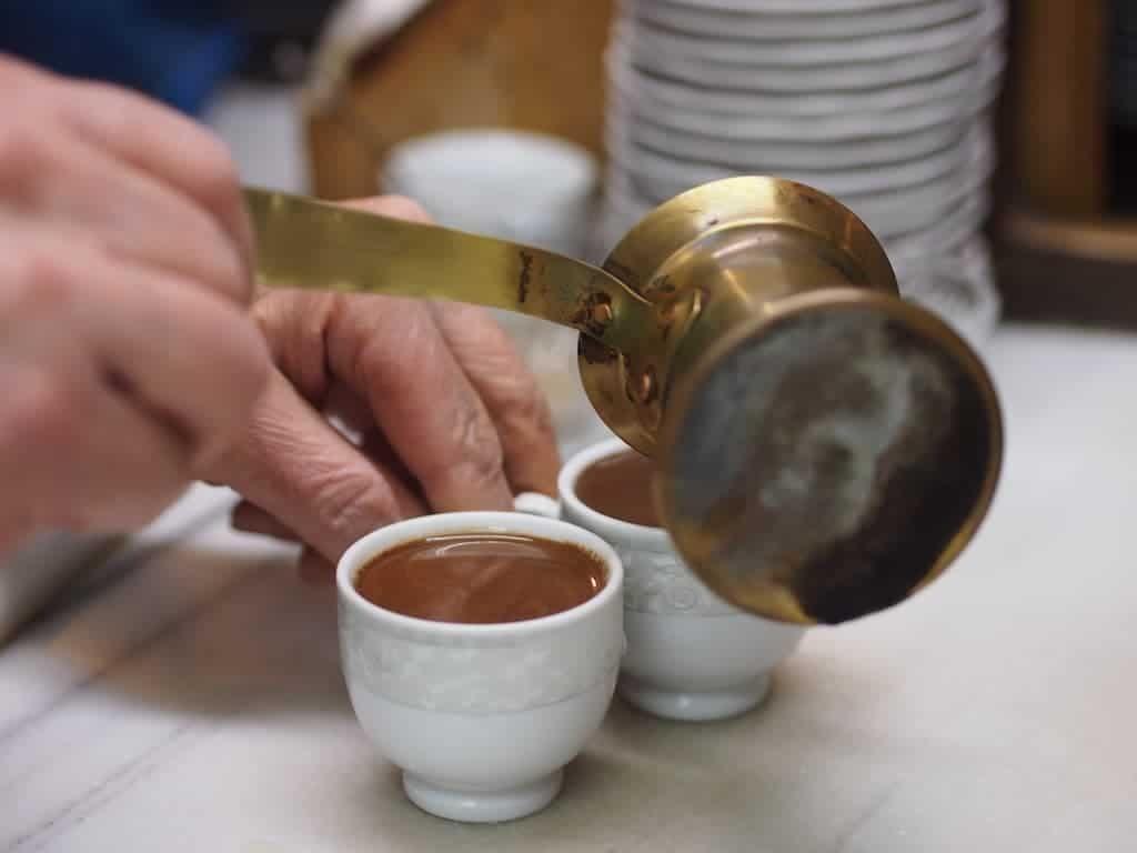 روزانه چند فنجان قهوه بنوشیم ؟