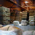اهمیت بسته بندی قهوه در انبارها