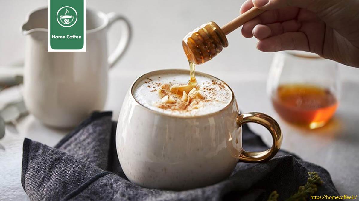 اضافه کردن عسل به قهوه